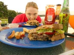 Bianca eat burger