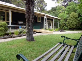 Tui Fantail Cottages Bench