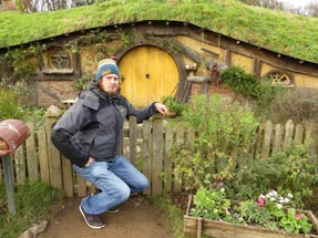 Thomas small Hobbiton