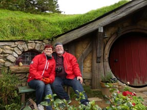 Parents Hobbiton Bench