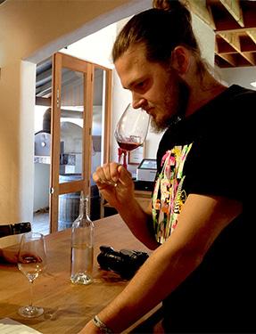 Mimi & Thomas Wine tasting